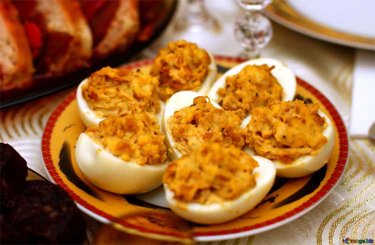 Stuffed Pitas eggs