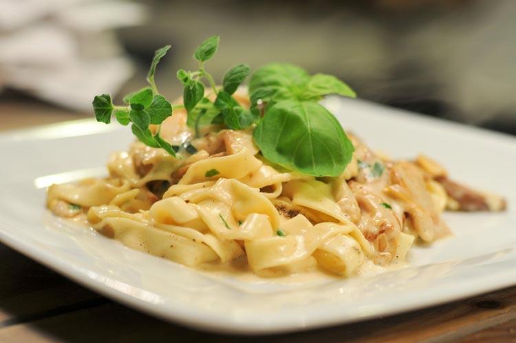 vegetarians gluten alfredo pasta