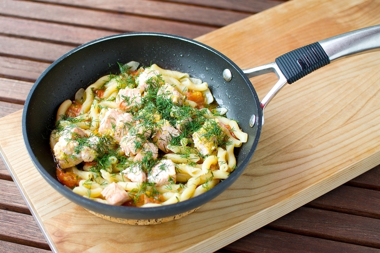 Pasta with Salmon & Peas healthy food
